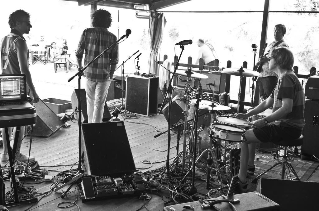 Destroyer soundcheck @ Hana-Bi, 16/08/2011 - foto di Luca Sartoni