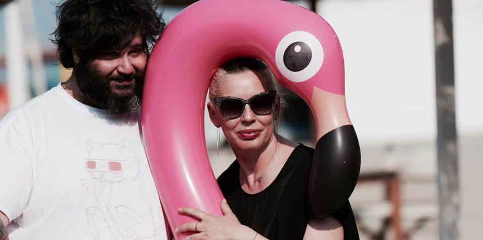 Hana-bi Summer Camp Flamingo con Trinity & Party Marty